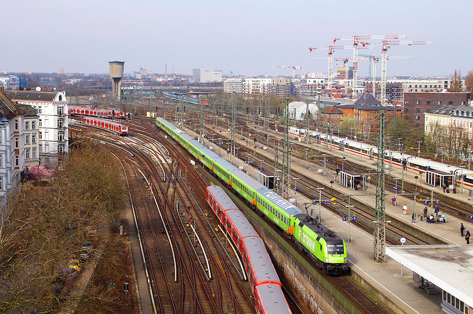 Der Flixtrain in Hamburg-Altona