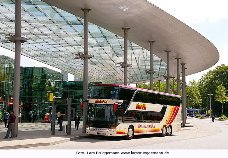 Berlinlinienbus von HARU am Hamburger ZOB - Fernbus Hamburg - Berlin